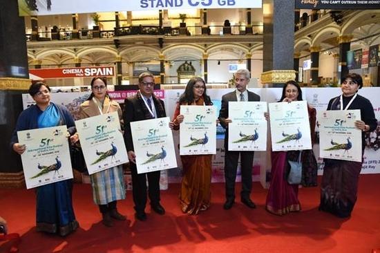 डा. एस जयंशकर ने 70वें बर्लिन अंतर्राष्ट्रीय फिल्म महोत्सव में भारतीय मंडप का उद्घाटन किया