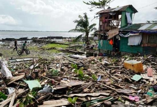 क्रिसमस पर फिलीपीन में तूफान - फनफोन - ने मचाई तबाही