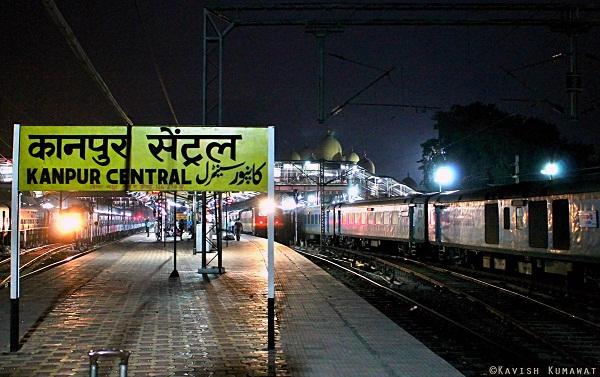 Breaking News Today At 05:55 P.M. एक हज़ार  से अधिक 1064 ट्रेनें  निरस्त, सैकङों ट्रेनों को पार्टली कैंसिल और सैकड़ों ट्रेनों का मार्ग बदलना पड़ा क्यों ? - क्या यही विकाश है ?-