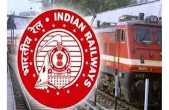 बिजली बिल में कमी लाने और परिचालन लागत को कम करने के लिए भारतीय रेल का निर्णायक कदम : रेल मंत्रालय