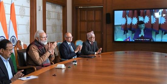 प्रधानमंत्री ने आईसीपी बिराटनगर का दूरवर्ती उद्घाटन किया और नेपाल में आवासीय पुनर्निर्माण परियोजना की प्रगति का अवलोकन किया